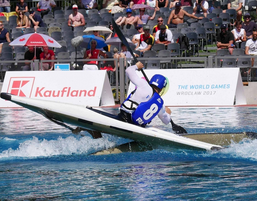 france men on upside down boat icf canoe polo world games 2017