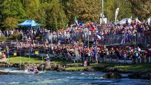 crowd 2017 icf canoe slalom and wildwater world championships pau france 056 0