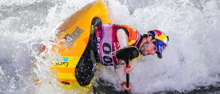 USA Dane Jackson kayak freestyle world championships Sort 2019